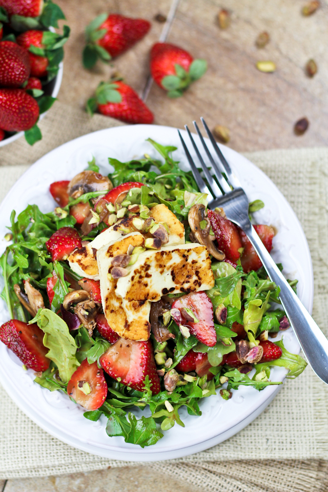 Strawberry and Arugula Salad with Grilled Halloumi by The Healthy Foodie
