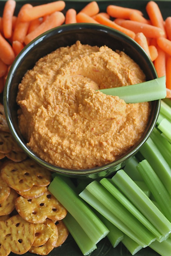Roasted Red Pepper Hummus - forget traditionals dips, this homemade ...