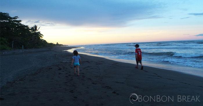 tortuguero-beach