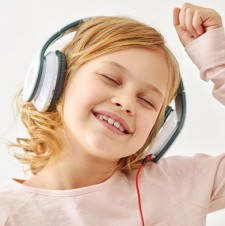 10 Kid-Friendly Pandora Stations Parents Will Enjoy